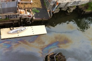 Boat Club helps end illegal oil dumping in Newtown Creek.